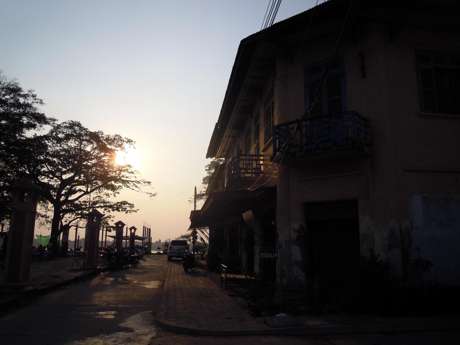 laos-loop-konglor-(2)