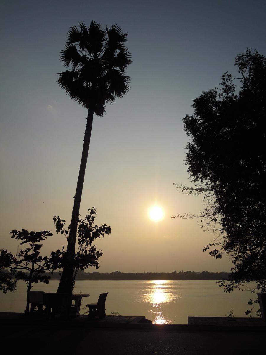 laos-loop-konglor-(3)
